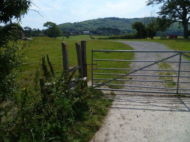 Footpath north of Poynings
