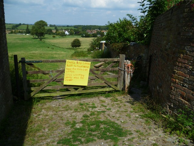 Notice on path gate in Poynings