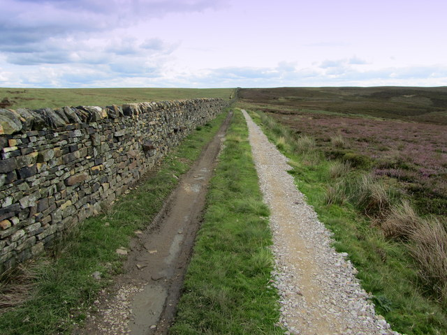 Shooting Track near Rom Shaw Head