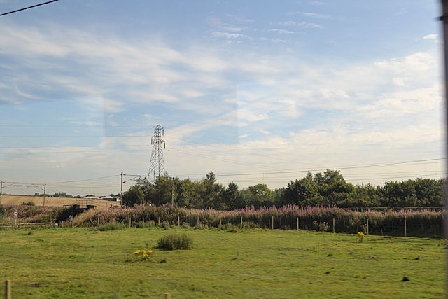 Railway line diverging at Winwick junction