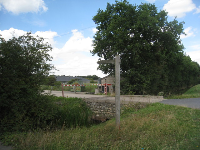Footpath to Thorney and the entrance to the chicken farm