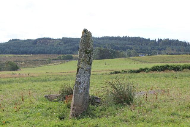 Triple standing stones, Dunamuck (north)