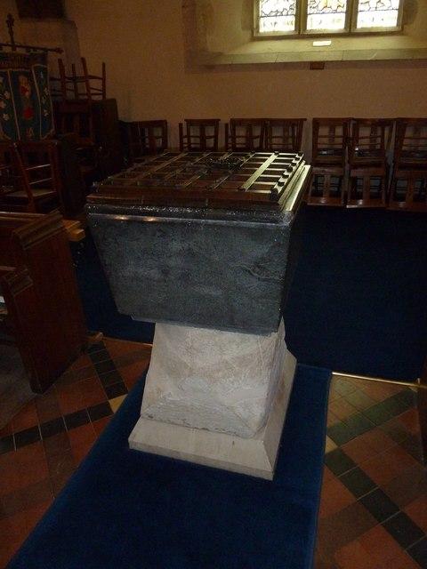 St Andrew, South Warnborough: Font