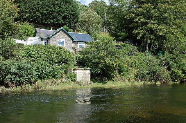 River Tweed and Wire Bridge Cottage, Peebles