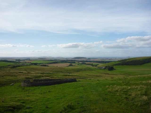 East Lothian Landscape : A Sheepfold With A View