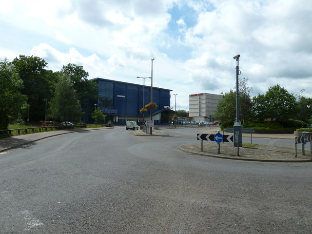 Roundabout in Station Way