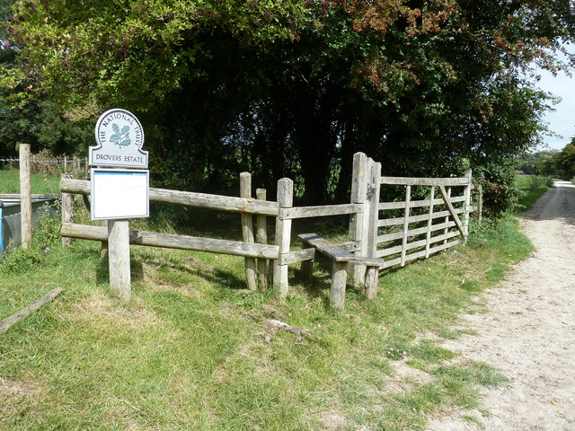 Stile entry to Drovers Estate