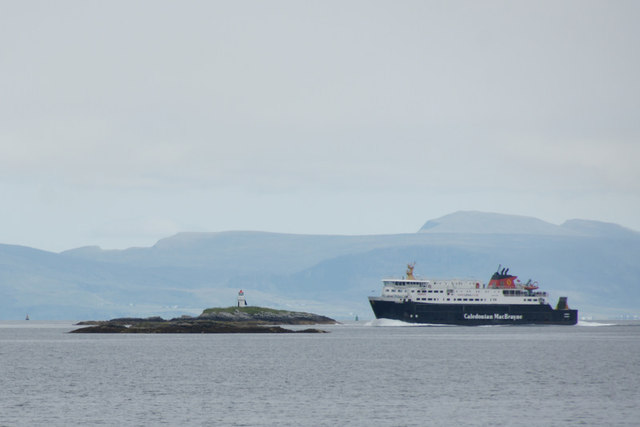 MV Hebrides passing Sgeir Glas on the approach to Tarbert