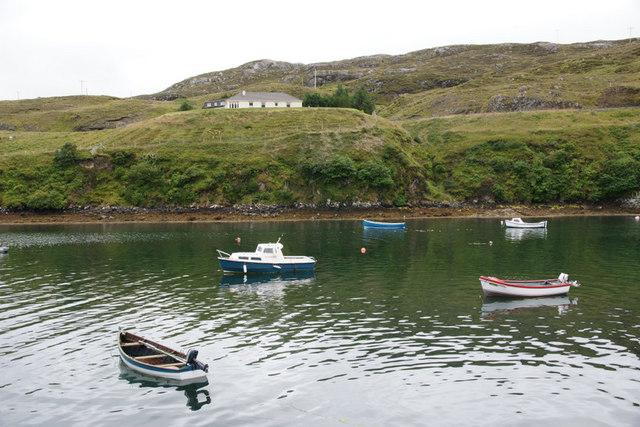 Small boats in Loch an Tairbeairt