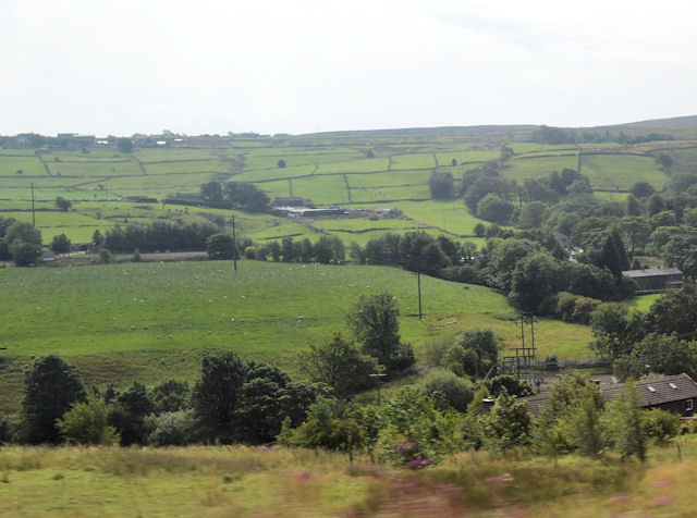 Farmland towards Waring Bridge