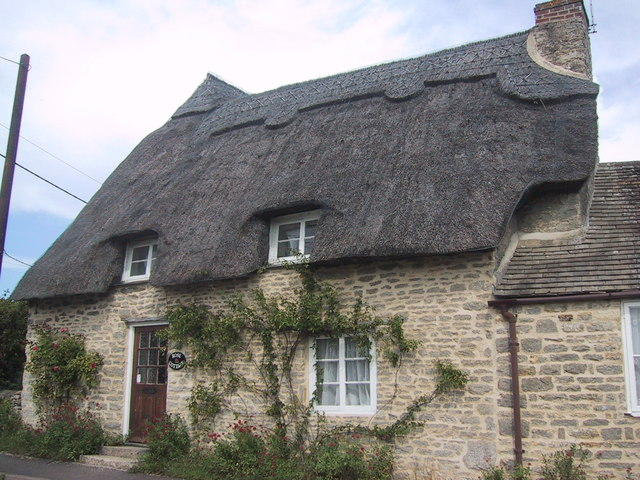 Thatched cottage in Tackley