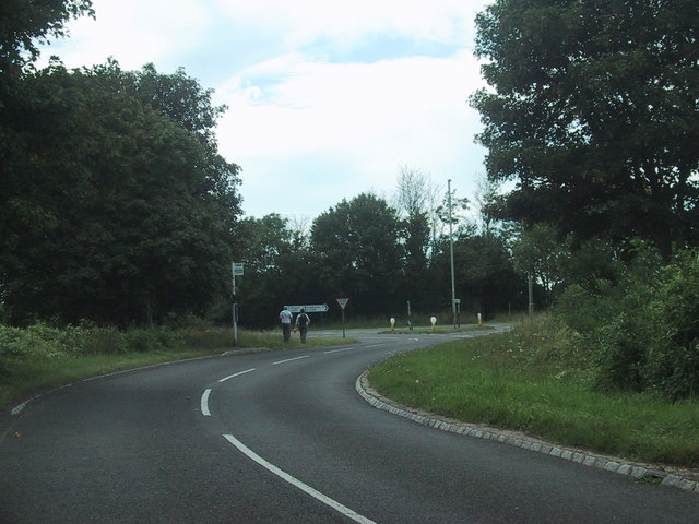 Road from Tackley joins the A4260