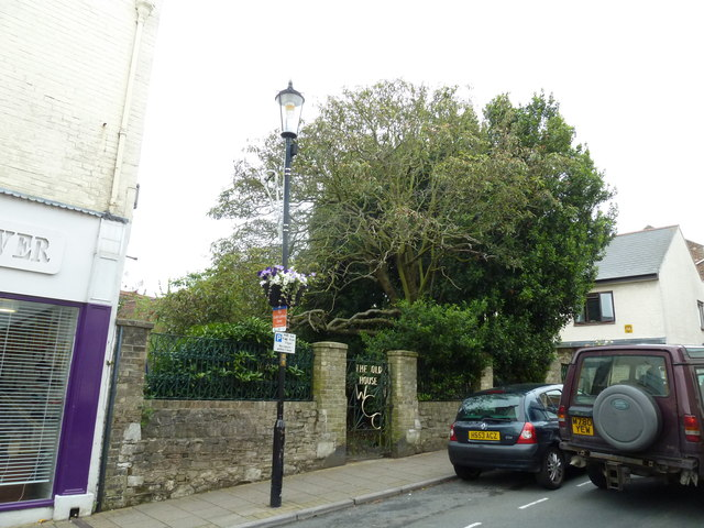 Lamppost outside The Old House