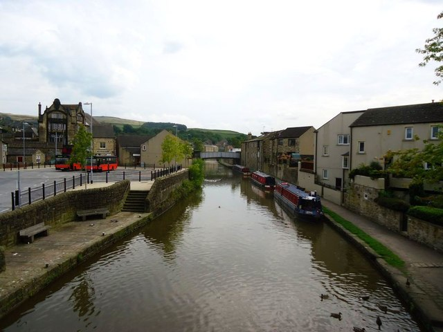Skipton, Leeds and Liverpool Canal [2]