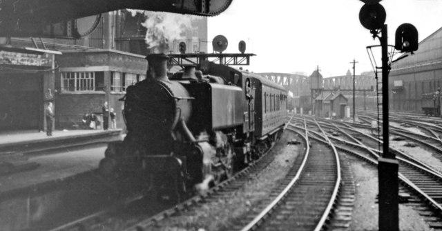 Empty stock coming into Paddington Station