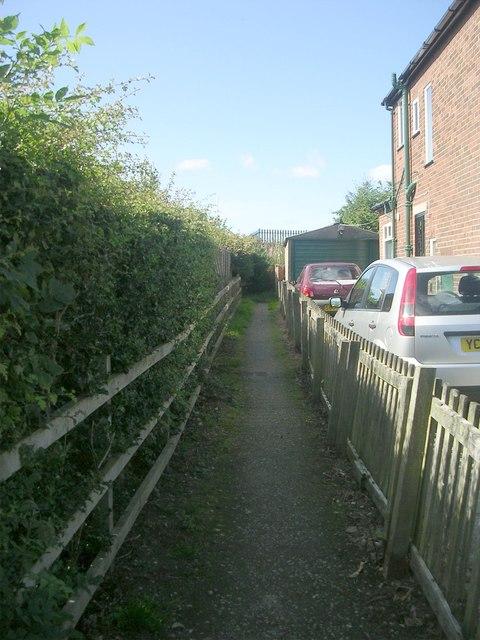 Footpath - Lee Lane East