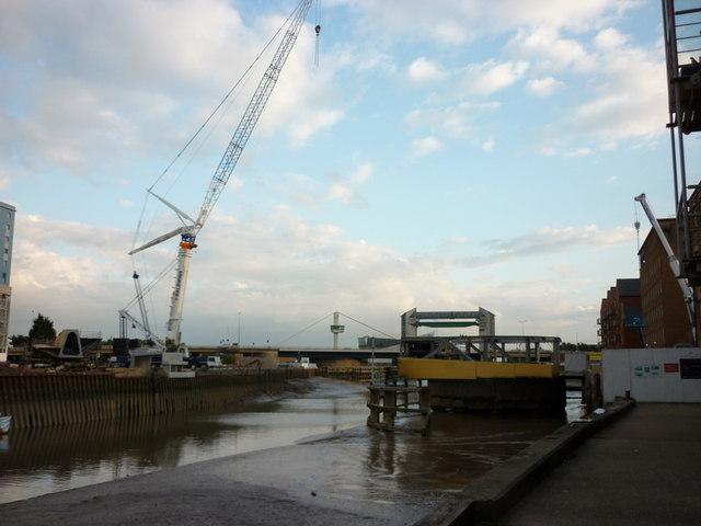A new footbridge across the River Hull