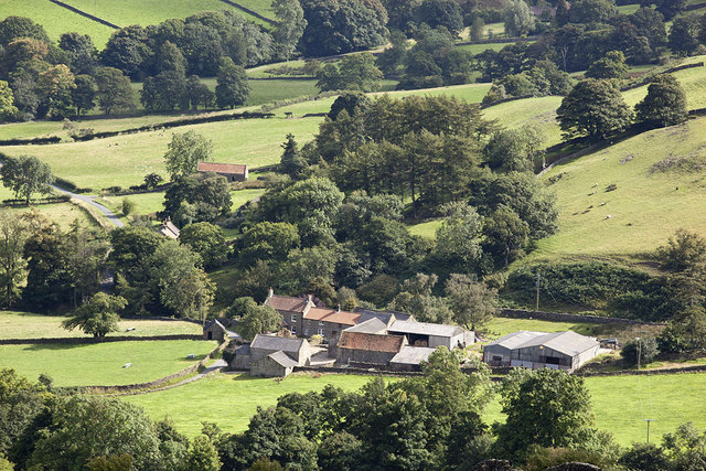 Looking down on Yew Grange Farm from Glaisdale Rigg