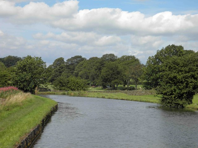 Turning point (winding?) on the Leeds Liverpool canal