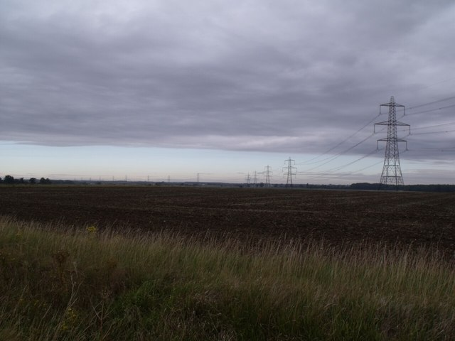 Pylons near Evedon