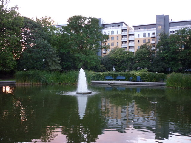 A pond in Queen's Gardens, Hull