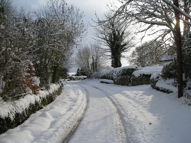 Early snow in Horndean village