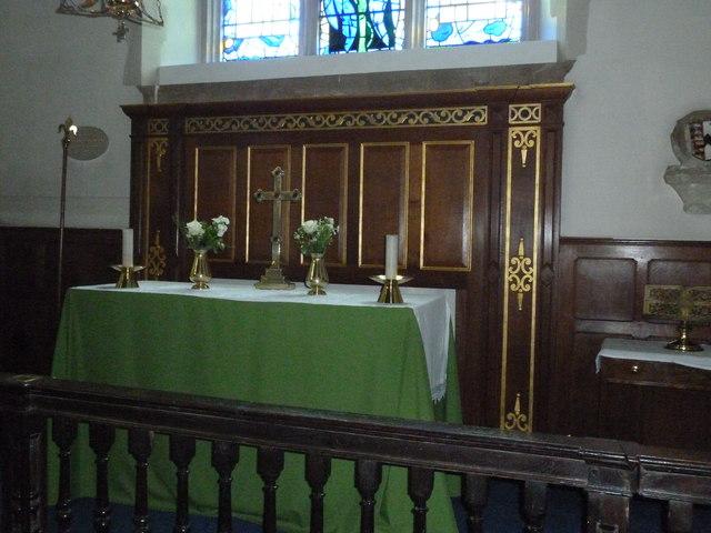 Odiham, All Saints: side altar