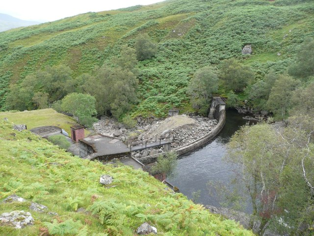 Dam on the Allt Dhùin Croisg