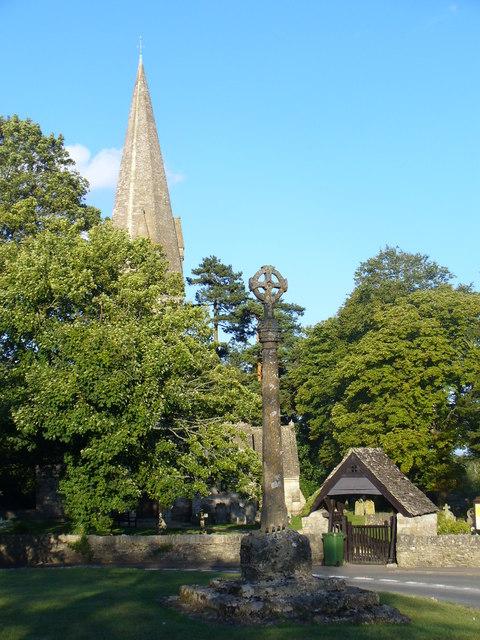 Village Cross, Leafield