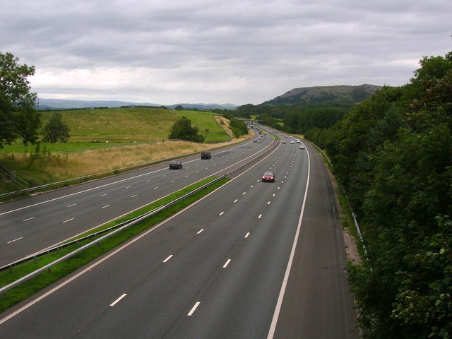 M6 north of Burton-in-Kendal services