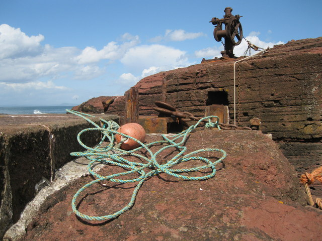 Winch and rope at Seacliff Harbour