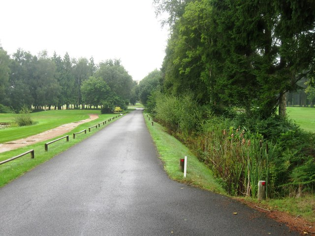 Access road to Paultons Golf Centre