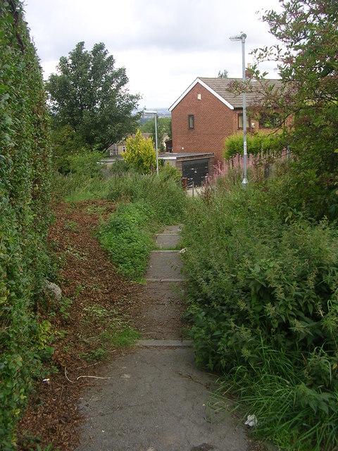 Steps from Moorside Walk to Penfield Road