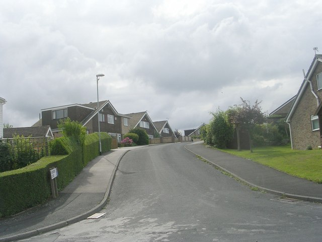 Moorside Close - Moorside Drive