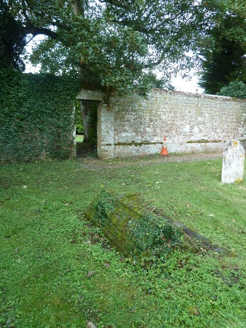 Churchyard of the Assumption of the Blessed Virgin Mary Upper Froyle- (g