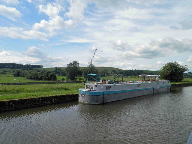 The vessel Harvest on the Leeds Liverpool canal