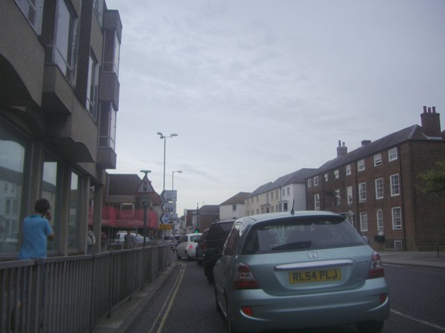 Traffic on Southgate, Chichester