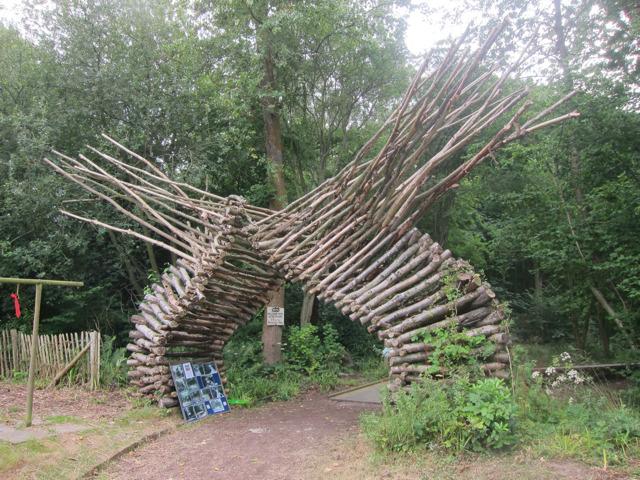 Entrance to Mallydams Wood