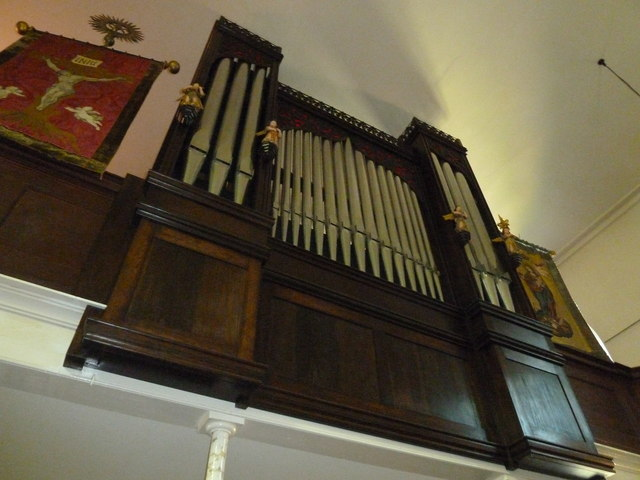Church of the Assumption of the Blessed Virgin Mary Upper Froyle- organ