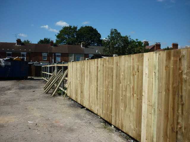 A new fence at the rear of Alexandra House #2