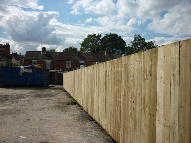 A new fence at the rear of Alexandra House #3