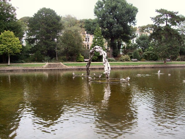 Arch in Lake - Alexandra Park