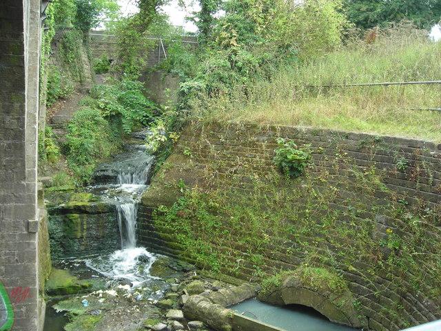 River Maun leaving King's Mill Reservoir