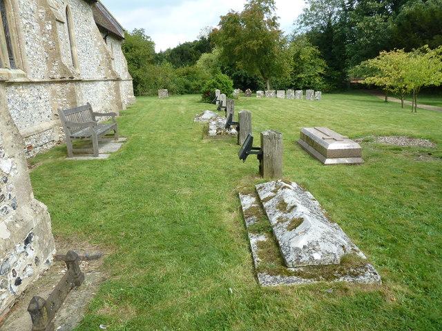 St Peter & Paul, Shalden: churchyard (c)