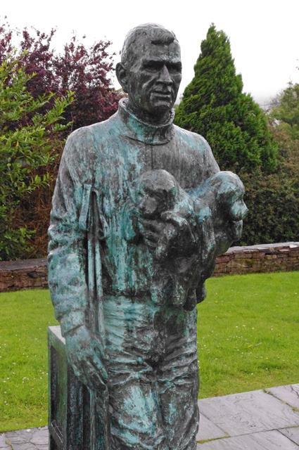 Tom Crean statue, Anascoul