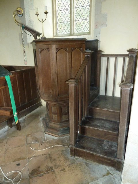 Up Nately- St Stephen's: pulpit