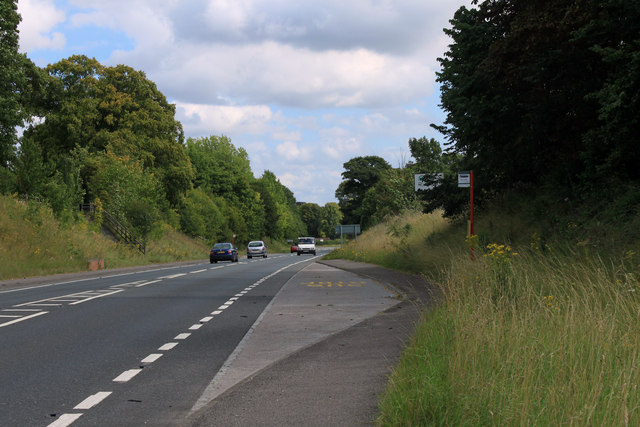 2011 : A36 with bus stop heading south east toward Salisbury