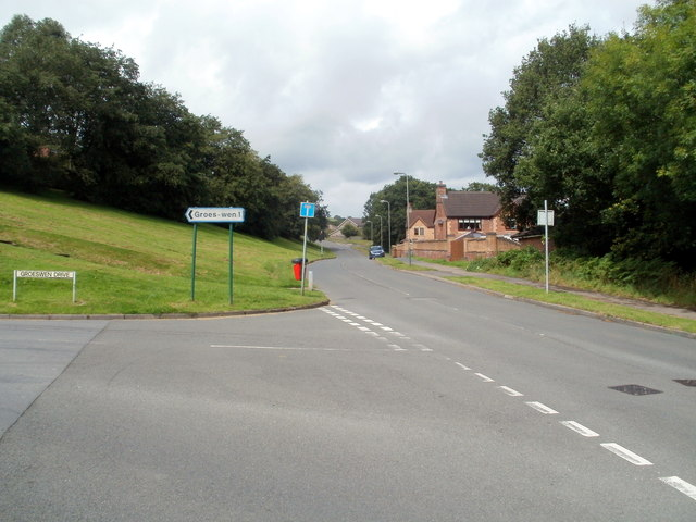 Corner of Groeswen Drive and Hendredenny Drive, Caerphilly