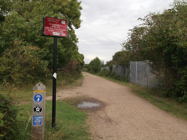 Thames Path and Thames Cycle Route