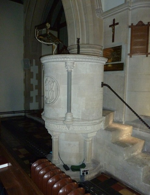 St. Mary, Bentley: pulpit